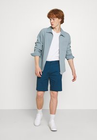 Scotch & Soda - STUART CLASSIC - Shorts - royal blue - 1