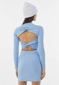 Bershka - MIT RAFFUNGEN  - Jumper dress - light blue - 2