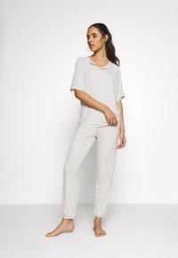 Marks & Spencer London - HANGING STRIPE SET - Pyjama set - oatmeal mix - 1