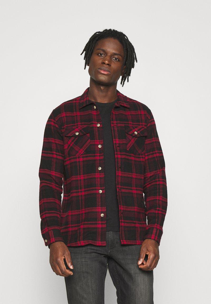 Redefined Rebel - Shirt - high risk red