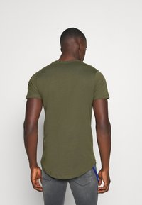 Jack & Jones - JJENOA - Basic T-shirt - forest night - 2
