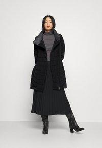 More & More - Winterjas - black - 1
