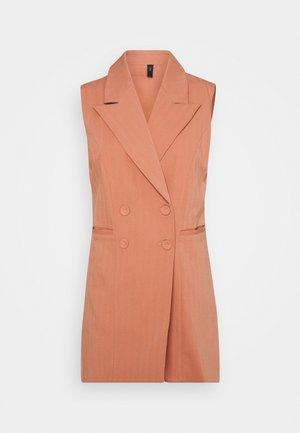 YASWIRA WAISTCOAT - Waistcoat - cameo brown