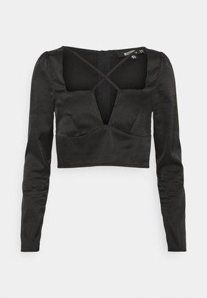 CROSS STRAP LONG SLEEVE CROP - Long sleeved top - black