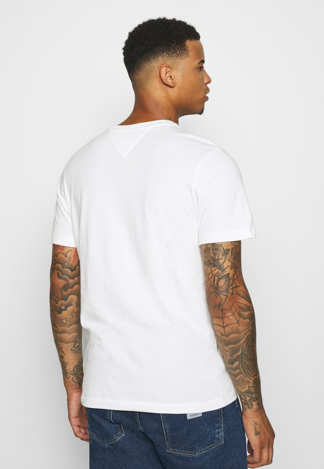 CHEST CORP TEE UNISEX - T-shirt con stampa - white