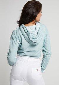 Guess - MINI TRIANGLE - Sweater - himmelblau - 2