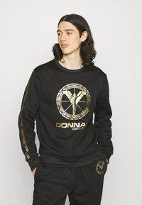 Carlo Colucci - DONNAY X CARLO COLUCCI - Sweatshirt - black/gold - 0