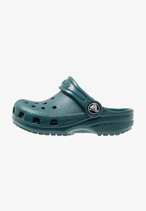 CLASSIC UNISEX - Sandály do bazénu - evergreen