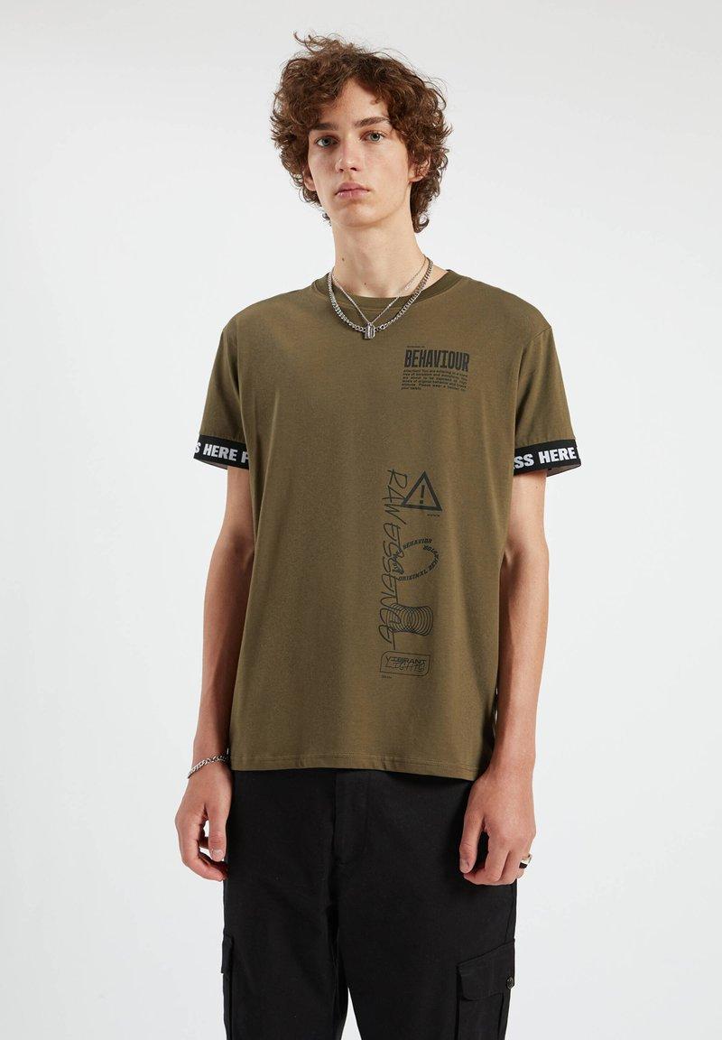 PULL&BEAR - Print T-shirt - dark green