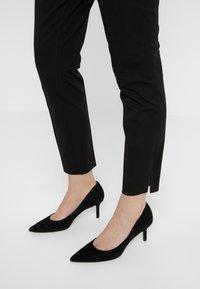 Polo Ralph Lauren - SLIM LEG PANT - Leggings - Trousers - black - 3
