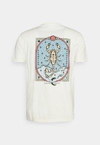 Kaotiko - WASHED SCORPION - Print T-shirt - ivory - 1