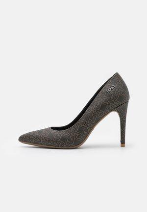 VICKIE DÉCOLLETÉ - Classic heels - brown