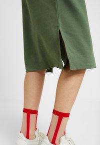 Monki - MINDY DRESS - Jerseykjole - sage green - 3
