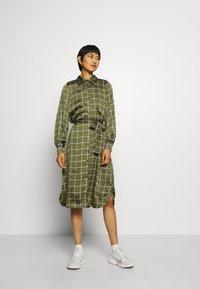 Twist & Tango - LISA DRESS - Košilové šaty - greyish green - 1