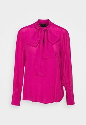 BLUSA FIOCCO - Button-down blouse - fuxia