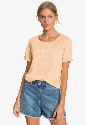 OCEANHOLIC  - Print T-shirt - apricot ice