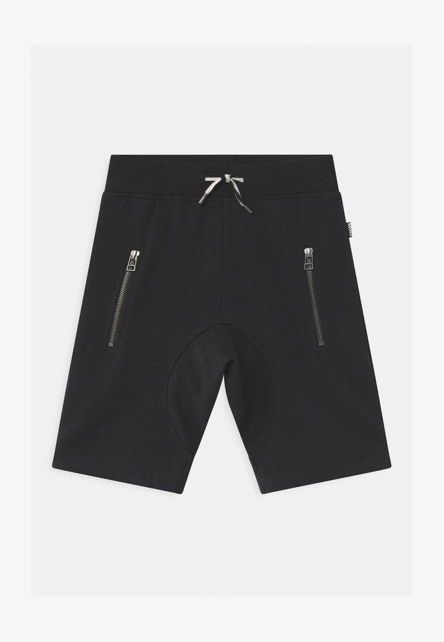 ASHTON SHORT - Tracksuit bottoms - black