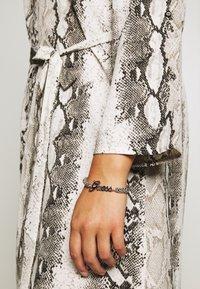 Guess - LOGO POWER - Bracelet - silver-coloured - 1