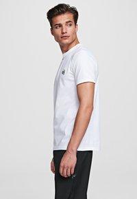 KARL LAGERFELD - IKONIK - Camiseta básica - white - 3