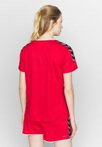 Hummel - HMLAUTHENTIC  - T-shirt print - true red - 2