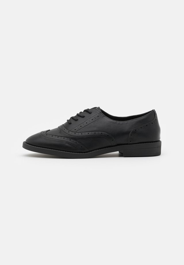 KEANU BROGUE - Stringate - black
