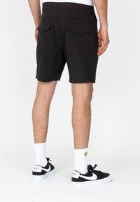 Roark - Shorts - black - 1