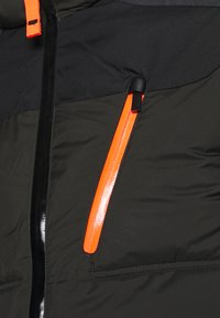 Icepeak - BRISTOL - Lyžařská bunda - dark green - 8