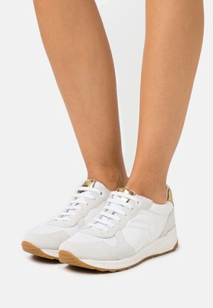 AIRELL - Trainers - white