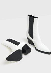 Bershka - Ankle boots - white - 3