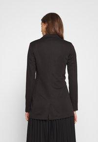 ONLY Tall - ONLMERYL ANNA LIFE  - Blazer - black - 2