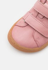 Froddo - BAREFOOT - Zapatos con cierre adhesivo - pink - 5