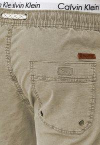 INDICODE JEANS - Shorts - beige - 3