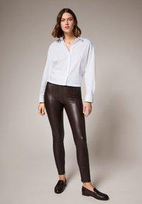 comma - Leggings - Trousers - brown - 1