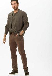 BRAX - STYLE CADIZ - Straight leg jeans - nougat - 1
