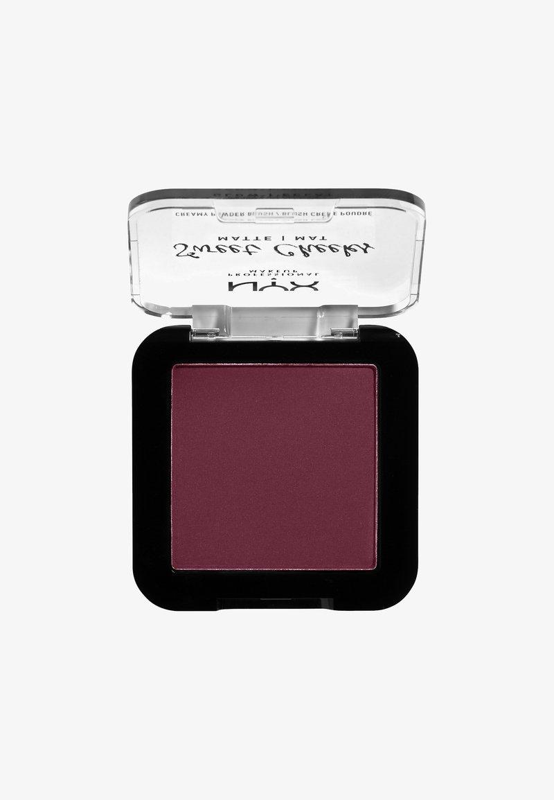 Nyx Professional Makeup - SWEET CHEEKS CREAMY POWDER BLUSH MATTE - Róż - 03 red riot