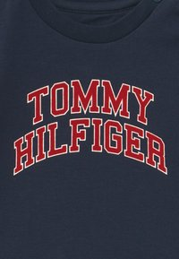 Tommy Hilfiger - BABY TEE - Long sleeved top - blue - 2