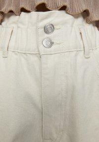 PULL&BEAR - Jeans a sigaretta - sand - 5