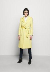 MAX&Co. - RUNAWAY - Classic coat - pale yellow - 1
