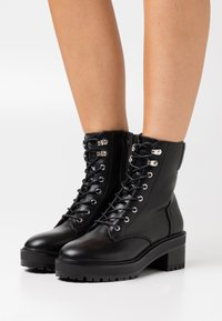 Even&Odd Wide Fit - Lace-up ankle boots - black - 0