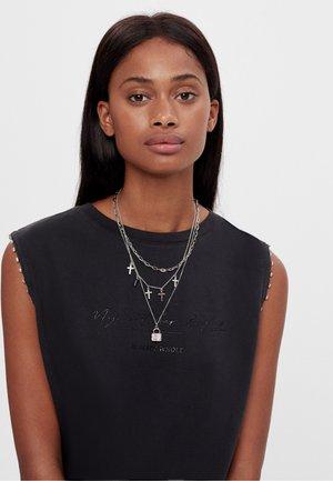 Necklace - silver