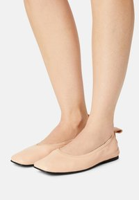 Clarks - PURE BALLET - Ballet pumps - light pink lea - 0