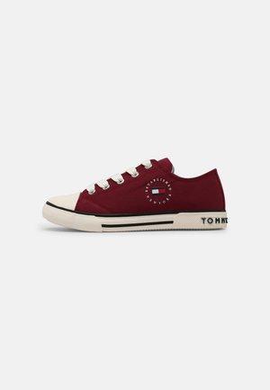 UNISEX - Sneakers laag - burgundy