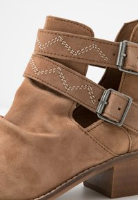 Musse & Cloud - DASHY - Ankle boot - tan - 2