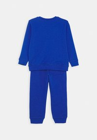 Benetton - BASIC BOY SET - Mikina - blue