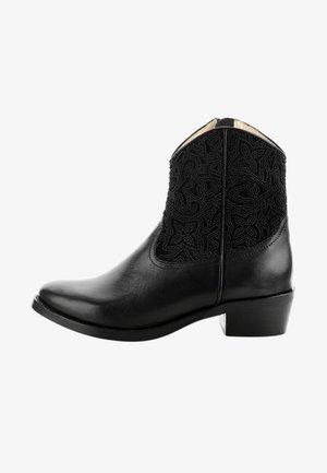 NEVIANO  - Kovbojské/motorkářské boty - black