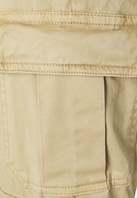 Guess - SEXY CARGO PANT - Cargo trousers - toasted taupe - 6