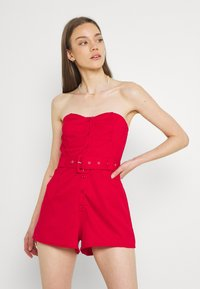 Missguided - BELTED BUTTON THROUGH BANDEAU  - Overal - red - 0