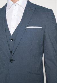 Selected Homme - SLHSLIM HOUND  SUIT SET - Traje - ashley blue - 10