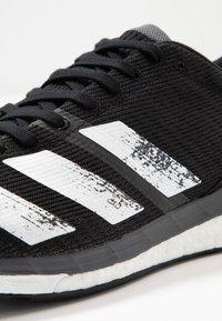 adidas Performance - ADIZERO BOSTON 8 - Laufschuh Wettkampf - core black/footwear white/grey five - 5