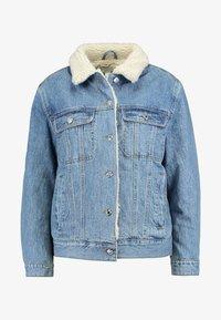Topshop - BORG LINED JACKET - Veste en jean - mid blue - 3